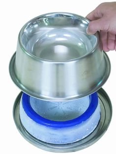 FrostyBowlz - If you've ever added ice cubes to your pet's water bowl, you know that dogs and cats, like people, enjoy a cool drink of water on a hot day. The freezable Frosty Core contains a nontoxic gel, which keeps your pet's water refreshingly cold and food fresh even on the warmest summer days.