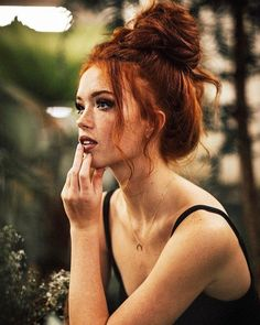 If you like redheads, get in here now. Photo gallery of 31 hot redheads. I have always been a sucker for redheads. Red Hair Color, Red Hair Shades, Ginger Hair Color, Blonde Color, Beautiful Redhead, Beautiful Red Hair, Beautiful People, Grunge Hair, New Hair