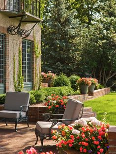 Nice flower pots.  for outdoor patio furniture ideas check o