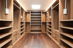 homify / Piwko-Bespoke Fitted Furniture: moderne Schlafzimmer von Piwko-Bespoke Fitted Furniture
