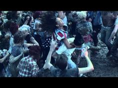 Rihanna - We Found Love ft. Calvin Harris: I'm not a Rihanna fan, but I like this video. It's very different from any of her previous videos. Rihanna Video, Rihanna Love, Music Tv, Good Music, Dance Music, Kinds Of Music, Music Is Life, We Found Love, Music Videos