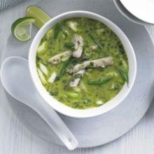 Thai green chicken soup: If you like Thai green curry you'll love this Asian-inspired broth with coconut milk, green beans and bamboo shoots - use chicken thighs for a tasty and cheap lunch or dinner Green Soup, Green Curry, Green Thai, Bbc Good Food Recipes, Cooking Recipes, Healthy Recipes, Banting Recipes, Diet Recipes, Thai Cooking