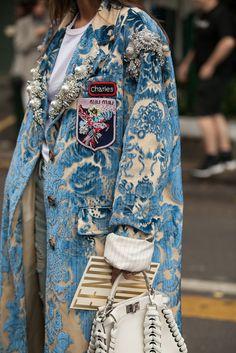 A beautifully embroidered Miu Miu coat snapped at the 2017 Milan Fashion Week. Fashion Details, Look Fashion, High Fashion, Womens Fashion, Fashion Design, Fashion Trends, Milan Fashion, Net Fashion, Street Fashion
