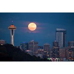Super Moon in Seattle