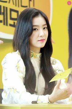 Irene in Lemona Event Red Velvet アイリーン, Red Velvet Irene, Velvet Style, Kpop Girl Groups, Kpop Girls, Korean Girl Groups, Seulgi, K Pop, Red Velet