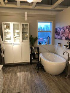 Relaxing Bathroom, Clawfoot Bathtub, Corner Bathtub, Corner Tub