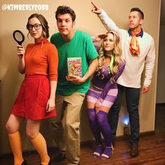 Three Person Halloween Costumes, Scooby Doo Halloween Costumes, Best Group Halloween Costumes, Trendy Halloween, Halloween Kostüm, Halloween Outfits, Couple Costumes, Fred Scooby Doo Costume, Funny Group Costumes