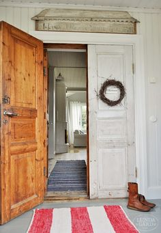 Benefits that you could derive by using the interior wood doors for your home or office. Rustic Doors, Wooden Doors, Indoor Barn Doors, Internal Sliding Doors, Farmhouse Kitchen Decor, Interior Barn Doors, Scandinavian Interior, Home Goods, Interior Decorating