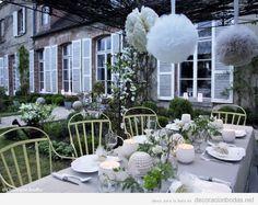 Decoración de una boda íntima y familiar en un jardín o patio pequeño