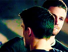These two... | Roy & Oliver #Arrow 3x09 I want to see how Roy reacts to Oliver's death