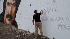Εκπληκτικό γκράφιτι στη Κρήτη απεικονίζει τον Νίκο Ξυλούρη #anogia #creta #crete #xilouris #ξυλουρης #νικοςξυλουρης #κρητη #ανωγεια #γκραφιτι #grafiti Street Art Graffiti, Greece, Beautiful Places, World, Painting, Greece Country, Painting Art, Paintings, The World