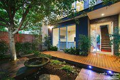 บ้าน 2 ชั้น 3 นอน 2 น้ำ โรงจอดรถปิดด้านหน้า สวยหย่อม สระน้ำเล็กๆ