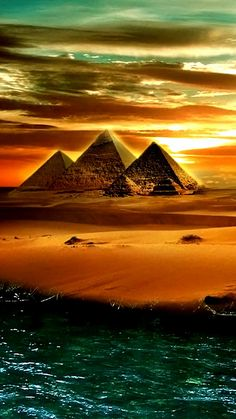 Ancient Egypt is culture Ancient Egypt Art, Ancient Aliens, Ancient History, Egyptian Symbols, Egyptian Art, Egyptian Things, Pyramids Of Giza, Belle Photo, Beautiful Landscapes