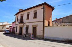 Albergue de peregrinos tasca Don Camino, Villalcázar de Sirga, Palencia, Camino de Santiago