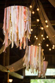 Hanging wedding decor with ribbons by Maine Seasons Events. Los chandeliers están de moda y puedes hacer el tuyo con cintas.