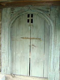 Romania People, Minimalism, Urban, Home Decor, Travel, Doors, Homemade Home Decor, Voyage, Viajes