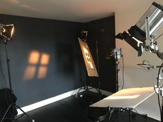 How I create Hollywood glamour portraits in the studio with continuous lights and DIY cookies - DIY Photography Studio Lighting Setups, Photography Lighting Setup, Photo Lighting, Light Photography, Inspiring Photography, Creative Photography, Digital Photography, Portrait Lighting Setup, London Photography