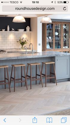 Finally I've found the perfect contemporary shaker kitchen. Adore the metro tiles and herringbone floor combined with the soft grey cabinetry.