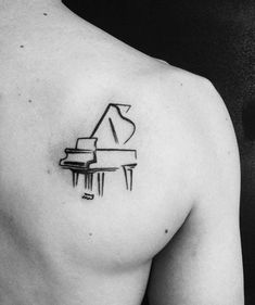 60 Piano Tattoos For Men - Music Instrument Ink Design Ideas, Tattoo, Small Simple Mens Sketched Piano Shoulder Blade Tattoos. Small Tattoos Men, Small Music Tattoos, Trendy Tattoos, Tattoos For Women, Cool Tattoos, Tattoo Small, Girly Tattoos, Creative Tattoos, Retro Tattoos