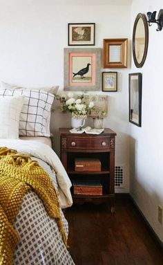 Inside a Storybook Homes Major Modern Redesign 2019 Love this vintage kind of feel in this bedroom! The post Inside a Storybook Homes Major Modern Redesign 2019 appeared first on Bedroom ideas. Home Decor Bedroom, Home, Home Bedroom, Cozy House, Bedroom Inspirations, Apartment Decor, Storybook Homes, Remodel Bedroom, Interior Design