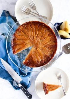 Super moist Upside Down Pear Cardamom Cake will impress friends, family, and coworkers alike with holiday spices and layered, caramel-coated pear slices. Quick Easy Desserts, Healthy Desserts, Dessert Recipes, Easy Meals, Autumn Winter Recipes, Winter Food, Cardamom Cake, Meringue Frosting, Wrap