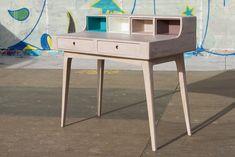 Masa de birou Play Light, L100xl60xh93 cm #homedecor #interiordesign #inspiration #mangowood Play, Office Table, Decoration, Nightstand, Vanity, Interior Design, Furniture, Home Decor, Mango