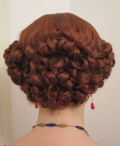 Health Hair Care Advice To Help You With Your Hair. Do you feel like you have had way too many days where your hair goes bad? Vintage Hairstyles Tutorial, Retro Hairstyles, School Hairstyles, Hairstyles Haircuts, Wedding Hairstyles, Historical Hairstyles, Brittle Hair, Pin Curls, Style Vintage