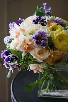 ranunculus,narcissus and pansy