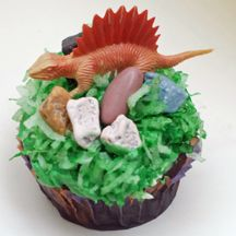 dino cupcakes - so making for one of my daycare kid's birthdays!
