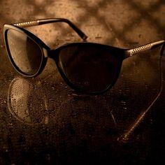 Gucci Diamantissima: acabamento perfeito com detalhe tridimensional banhado a ouro 24k... #oculos #de #sol #luxo #oticas #wanny