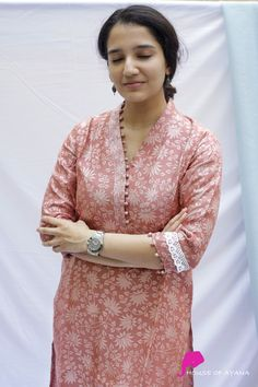 Neck Designs For Suits, Sleeves Designs For Dresses, Neckline Designs, Dress Neck Designs, Blouse Designs, Chudidhar Neck Designs, Simple Kurta Designs, New Kurti Designs, Kurta Designs Women