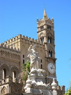 Cathedral, Palermo, Italy #cabinmax http://cabinmax.com/en/backpacks/73-palermo-0616316229525.html #travel #adventure