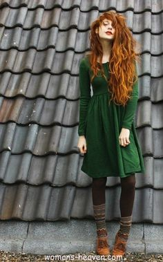 green dress fashion style moda clothes wear picture image http://www.womans-heaven.com/green-dress-3/