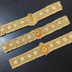 Saree With Belt, Saree Belt, Saree Blouse, Bridal Sarees South Indian, Mirror Work Blouse Design, Work Belt, Embroidery Neck Designs, Cloth Belt, Stylish Blouse Design