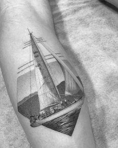 Tatuagem feita com maquina caseira e corda de guitarra. Tattoo Artist: Fillipe Pacheco