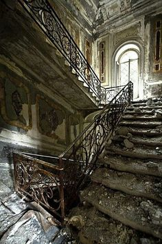 Stairway down to Hell