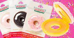 La compañia Krispy Kreme lanzó bálsamos labiales con los sabores preferidos de las clientas, se encuentran en paquetes de 5 y en presentación individual