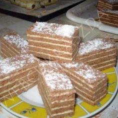 Mézes tejfölös, pudingos szelet Hungarian Desserts, Hungarian Recipes, Hungarian Food, Cake Recipes, Dessert Recipes, Cake Cookies, Tiramisu, Waffles, French Toast