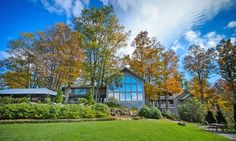 A family-owned resort amid North Carolina's Blue Ridge Mountains, close to the Blue Ridge Parkway; onsite restaurant and spa