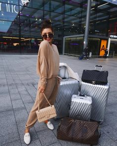 Louis Vuitton Bag and chanel Cute Travel Outfits, Lazy Outfits, Cute Outfits, Fashion Outfits, Airplane Outfits, Luxury Couple, Look Girl, Airport Style, Airport Outfits
