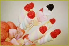 Risultati immagini per spiedini di caramelle per bambini