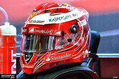 Massa's Ferrari farewell helmet