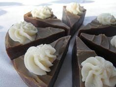 Veikeä Verso: kakkusaippuaa Soap Making, Pudding, Desserts, How To Make, Food, Verses, Tailgate Desserts, Deserts, Custard Pudding