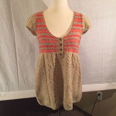 Free People Babydoll Sweater Barely worn. Like new. V neck baby doll wool sweater. Crochet red, grey and tan. Size L (12-14) 63% wool. Free People Sweaters V-Necks