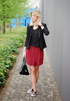 Mirror of Fashion: OUTFIT OF THE DAY // SKIRT ALERT