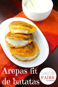 Savoir Faire: Arepas de batata con chía rellenas con queso blanco Fun Easy Recipes, Clean Recipes, My Recipes, Low Carb Recipes, Sweet Recipes, Easy Meals, Cooking Recipes, Favorite Recipes, Yummy Snacks