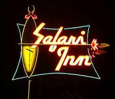 retro safari inn motel sign