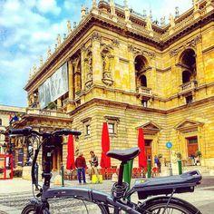 Instagram picutre by @klarabeautylife: #Benelli #ebike#foldbike#budapest#operahaz - Shop E-Bikes at ElectricBikeCity.com (Use coupon PINTEREST for 10% off!)