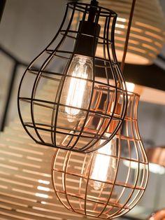 Hanglamp Pittsburgh - Zwart - Draadijzer - It's About RoMi It's About Romi, Pittsburgh, Chandeliers, Suspension Metal, Bright Homes, Tiffany Lamps, Luminaire Design, Unique Lamps, Kitchen Lighting