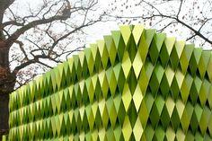 Facade tesselation.